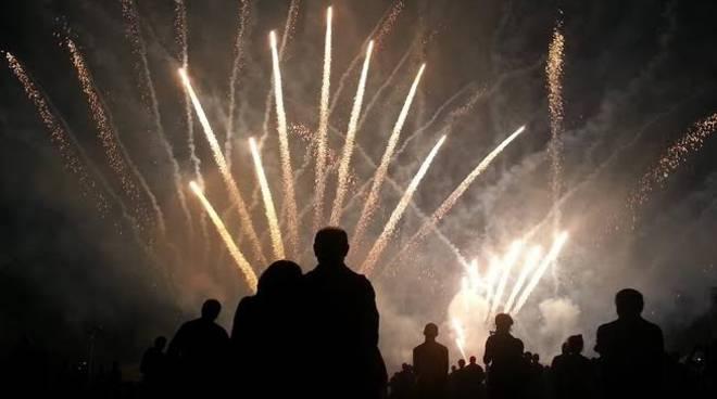 00007_fuochi-d-artificio-per-concerti.jpg