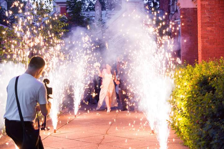 00010_fuochi-artificio-matrimonio-fontane-in-villa.jpg