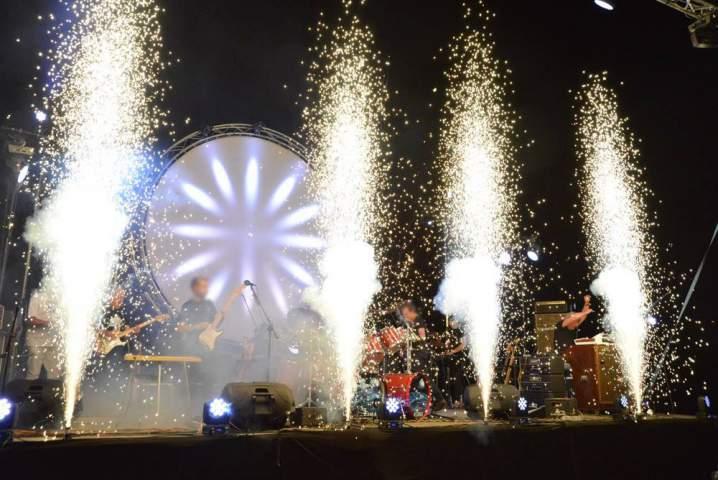 <br>Fuochi d'artificio per concerti e spettacoli dal vivo.