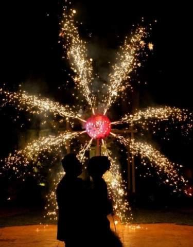00004_fuochi-artificio-matrimonio-bacio.jpeg