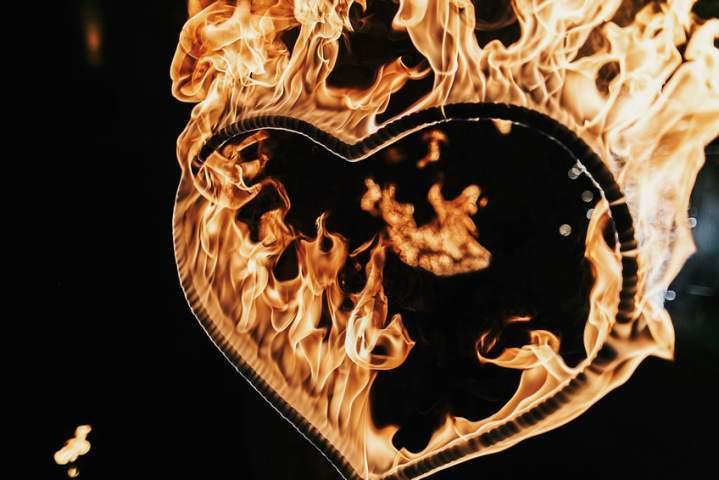 00009_effetti-speciali-di-fuoco-per-matrimonio.jpg